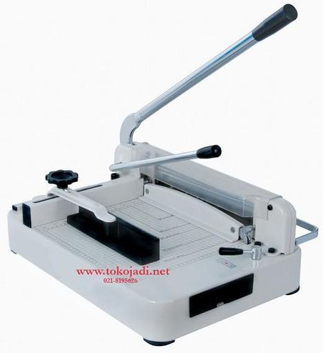 Mesin potong kertas / Paper cutter