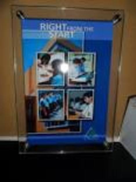 Frame Acrylic,Acrylic Frame untuk Poster dan foto,Sign Board.Signage,Huruf Timbul