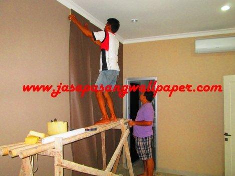 pasang wallpaper
